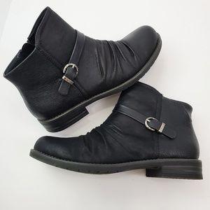 Baretraps Cecilia side zip ankle boot